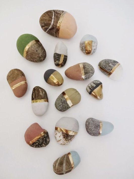 160429 Friday Finds pebbles