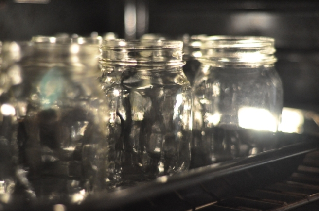 how-to-sterilize-jars-in-oven