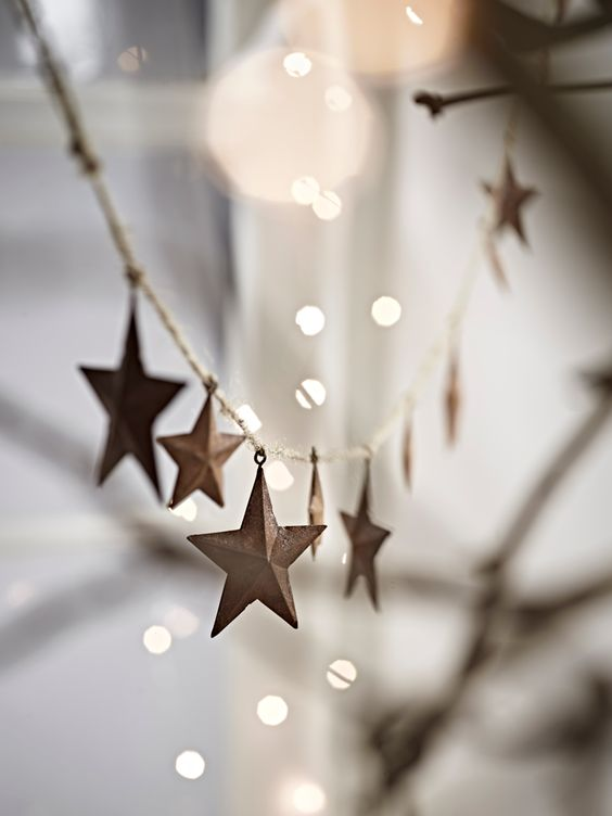 rusty star garland