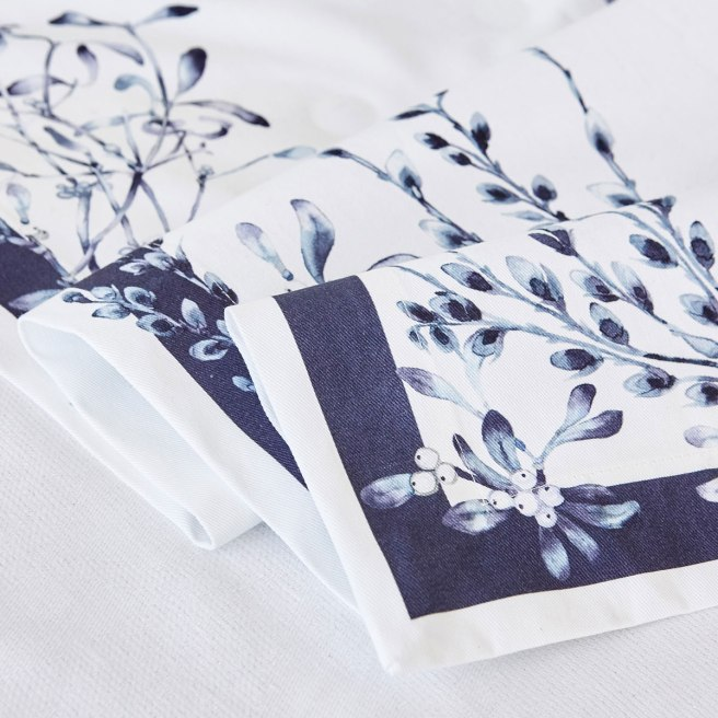 zara home table runner